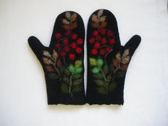 Felted Mittens Black Rowan by LaimaFelts on Etsy Wet Felting, Needle Felting, Fibre And Fabric, Knitting Accessories, Felt Diy, Mitten Gloves, Hand Warmers, Textile Art, Fiber Art