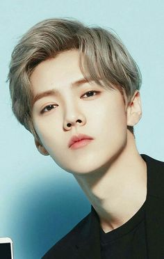 Sad news for exo fans! Luhan is leaving running man (for the time being) but is replaced with Lucas (NCT) and Yuqi [(G)-idle] Luhan Exo, Exo Ot12, Kpop Exo, Park Chanyeol, F4 Boys Over Flowers, Chines Drama, Kim Minseok, Cosplay Anime, Gu Family Books