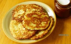 Mashed Potato Pancakes recipe: This is a great way to use up leftover mashed potatoes! Potato pancakes are quick and easy to make. Mashed Potato Pancakes, Potato Latkes, Mashed Potatoes, Potato Fritters, The Chew Recipes, Cooking Recipes, Yummy Recipes, Vegan Recipes, Daniel Fast Recipes