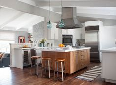 Beautiful Before And After Ranch House Interior Remodel Ranch House Remodel, Magazine Deco, Ranch Kitchen, Ideas Hogar, Kitchen Gallery, Ranch Style Homes, Deco Design, Cuisines Design, Traditional House