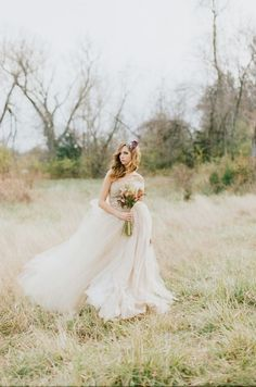 光で遊ぶ、透け感が大事*ふわふわに恋する〔天使のウェディングドレス〕特集♡にて紹介している画像