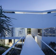 Gallery of J House / Pitsou Kedem Architects - 35