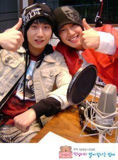 Heo Young Saeng en Super Junior Kiss the radio Young Saeng hablando de Líder Kim Hyun Joong y SS501 [13.04.15]