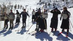 """Valtournenche festeggia il telemark: discese, goliardia e una """"mucca da vino"""" - La Stampa"""