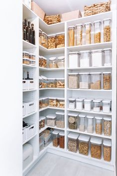 Kitchen Pantry Design, Modern Kitchen Design, Home Decor Kitchen, Kitchen Interior, Home Interior Design, Home Kitchens, Pantry Interior, Kitchen Ideas, Kitchen Pantry Cabinets