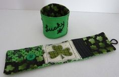 St. Patty's Custom Coffee Sleeves - This coffee cozy DIY is a great gift for spring.