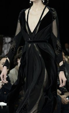 A Game of Clothes — What a Baraavosi nobel woman would wear, Givenchy Haute Couture Style, Couture Mode, Couture Fashion, Runway Fashion, Dark Fashion, High Fashion, Fashion Show, Mode Sombre, Looks Dark