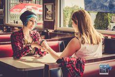 'Her last gift - reverse' Chloe Price: Dash Cosplay (FB), Rachel Amber: Shigeako Cosplay (FB), Photo: Daniel Anhut Fotografie (FB) #lifeisstrange #lifeisstrangecosplay #lis #liscosplay #dontnod #cosplay #candid #chloeprice #chloepricecosplay #dash #shigeako #rachelamber #rachelambercosplay #headcanon