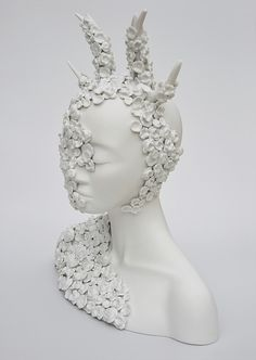 Juliette Clovis - Unique contemporary ceramic sculptures made in Limoges porcelain.
