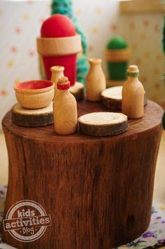 DIY Dollhouse Furniture - http://kidsactivitiesblog.com/47657/diy-dollhouse-furniture