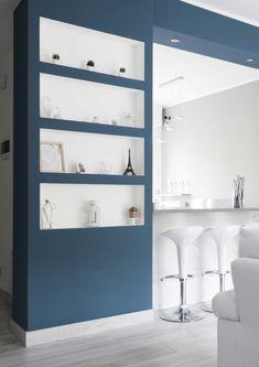 non solo per le pareti! Modern Spaces, Diy On A Budget, Creative Decor, Bars For Home, Built Ins, Interior Design Living Room, Bathroom Medicine Cabinet, Home Kitchens, New Homes
