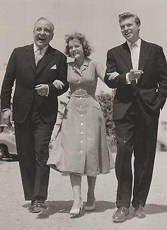 "1956 - Romy Schneider & Karlheinz Bohm & O.E. Hasse - tournage de ""Kitty"" - presse recto"