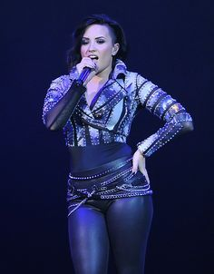 The Ultimate Sexy Beautiful Demi Demi Lovato Style, Japanese School Uniform Girl, Demi Lovato Pictures, Hot Outfits, Curvy Fashion, Role Models, Celebs, Clothes For Women, Female
