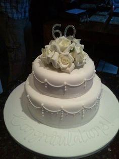 Simple but elegant anniversary cake - Modernes Sparkly Wedding Cakes, Diamond Wedding Cakes, Fall Wedding Cakes, Wedding Cookies, 40th Wedding Anniversary Cake, Diamond Anniversary Cake, 60th Anniversary Parties, 60 Anniversary, Ice Cake