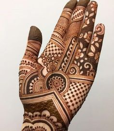 People having interest in fashion are much inclined towards the mehndi designs. If you are among beginners and love to try out different mehndi patterns and motifs then these easy mehndi designs are just perfect for you.
