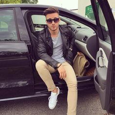 "18.9 k mentions J'aime, 227 commentaires - Ahmet Kaplan (@kapoofk) sur Instagram: ""Hey babe! 😳❤️ #tagafriend #saysomething #mensfashion #freshair #beard #serious #style #thankuall…"""