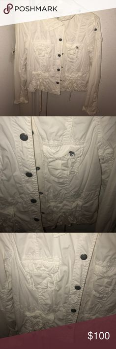 Abercrombie Womens Jacket Size M Gently worn ! Great condition !!! Abercrombie & Fitch Jackets & Coats Pea Coats