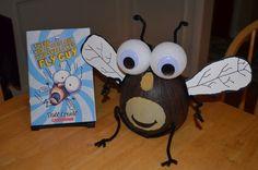 Fly Guy Pumpkin Book Re[ort Halloween Books, Halloween Pumpkins, Halloween Crafts, Halloween Decorations, Pumpkin Decorations, Halloween Costumes, Pumpkin Books, Pumpkin Crafts, Pumpkin Ideas