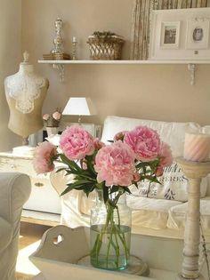 Cottage Cream Decor Inspiration