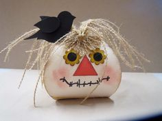 How clever is this Scarecrow using Curvy Keepsake Box!? We're seeing so many creative uses for this new Thinlit die.