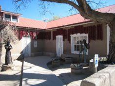 Restaurante Rancho De Chimayo – Chimayo, New Mexico. Chimayo New Mexico, New Mexico Vacation, Southwest Usa, Santa Fe, Places Ive Been, Pergola, Outdoor Structures, Patio, Outdoor Decor