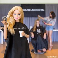 It's the 'mane' event! About to get the ultimate styling treatment from @ManeUniversity, compliments of our sponsors @dysonhair and @ManeAddicts! 💇🏼 #maneuniversity #barbie #barbiestyle