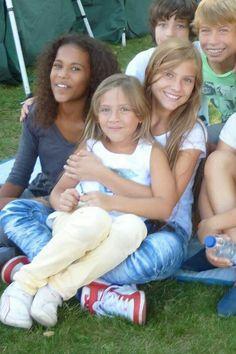 Olivia meza and her sister