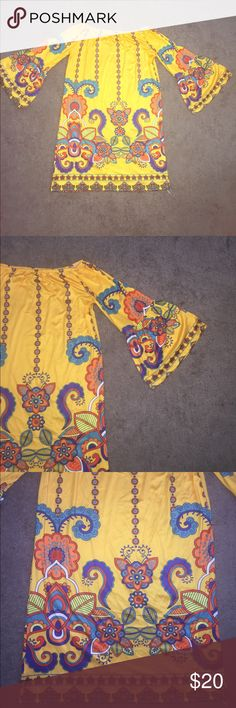 """Boho Style Dress Long Sleeve Boho Style Dress •Great Spring and Summer Dress.  •Mutilcolored with Printed style. •Size X-large. Bust 38"""", Length 30.5"""", Waist 40"""" (has elastic band in collar. 3/4 Sleeve.  •Excellent condition. Dresses Mini"""