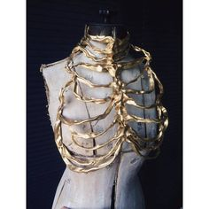 Gold ribcage couture by designer Lory Sun Mode Outfits, Fashion Outfits, Fashion Hacks, Fall Fashion, Fashion Tips, Mode Alternative, Mode Steampunk, Fancy, Character Outfits