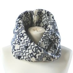 This super stylish snood is also by the lovely lady behind Stich Mi Lane. Look cool both on and off the bike. Available in a variety of colours