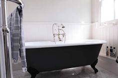 Marble, panelling. Traditional sanitary ware.