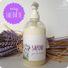 DIY liquid hand soap- Sapone liquido per le mani fai da te DIY liquid hand soap - Crafty Hobbies, Hobbies To Try, Hobbies That Make Money, Hobby Lobby Crafts, Homemade Detergent, Savon Soap, Liquid Hand Soap, Handmade Cosmetics, Diy Scrub