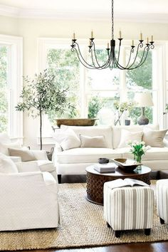 29+ Beautiful French Style Living Room Design Ideas That Every People Must See It - Page 20 of 30 French Living Rooms, French Country Living Room, Coastal Living Rooms, Elegant Living Room, Interior Design Living Room, Living Room Designs, Country French, Coastal Cottage, White Living Rooms