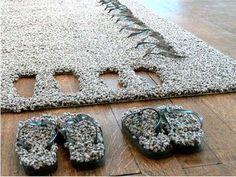 tapijt met slippers van Lise El Sayed   ( carpet with flip flops)