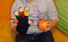 Fingerspiel: 5 Finger stehen hier und fragen, wer kann diesen Apfel tragen....