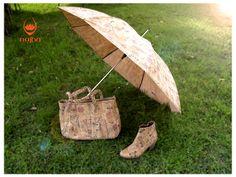 Guarda-chuva, bolsa Manhattam e Bota Ângela.  Saiba mais em www.najha.com