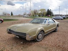 67 Oldsmobile Toronado | Flickr - Photo Sharing! Retro Cars, Vintage Cars, Antique Cars, Oldsmobile Toronado, Cool Old Cars, Old Classic Cars, Station Wagon, Car Car, Buick