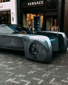 The Rolls Royce Vision Next 100 - - The Rolls Royce Vision Next 100 Dream Cars The Rolls Royce Vision Next 100 What are your thoughts bro? Auto Rolls Royce, Voiture Rolls Royce, Rolls Royce Motor Cars, Luxury Sports Cars, Top Luxury Cars, Sport Cars, Rolls Royce Concept, Future Concept Cars, Future Car