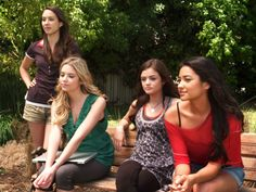 Spencer, Hanna, Aria and Emily looking relaxed after they think they have blocked A out.