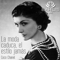 Coco Chanel : what a lady! just watched coco before chanel. Style Coco Chanel, Coco Chanel Mode, Mademoiselle Coco Chanel, Coco Chanel Fashion, Karl Lagerfeld, Sofia Coppola, Belle Epoque, Marie Claire, Perfume Chanel