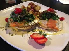 StyleBlueprint The Garden Brunch Cafe Smoked Salmon Benedict 620x465 Weekend Brunch: 3 Choices Off The Beaten Path