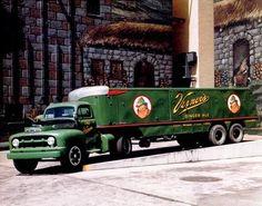 Old Detroit - Vintage Photos of The Motor City State Of Michigan, Detroit Michigan, Detroit Tigers, Cool Trucks, Big Trucks, Detroit Area, Metro Detroit, Detroit History, Ginger Ale