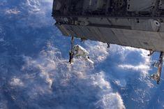 December 2006: Constructing the Space Station via NASA http://ift.tt/2BHlv4a