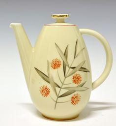 Coffeepot by Nora Gulbrandsen for Porsgrund Porselen 1934-1937 Model nr 2205, decor nr 8237