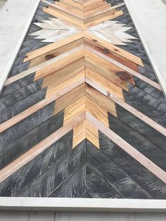 Use Pallet Wood Projects to Create Unique Home Decor Items – Hobby Is My Life Wood Pallet Art, Reclaimed Wood Wall Art, Wooden Wall Art, Wood Pallets, Woodworking Projects Diy, Diy Wood Projects, Woodworking Plans, Wood Crafts, Rustic Wall Decor