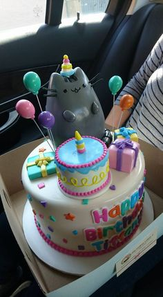 Pusheen Birthday Cake More (cake box) Pusheen Birthday, Cat Birthday, Birthday Cake Girls, Birthday Ideas, Cupcakes, Cupcake Cakes, Pusheen Cakes, Bolo Tumblr, Blackberry Cake