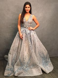Katrina Kaif looks like a princess at the IIFA Awards Indian Wedding Gowns, Indian Gowns Dresses, Prom Dresses, Pink Gowns, Evening Dresses, Wedding Dress, Indian Celebrities, Bollywood Celebrities, Bollywood Fashion