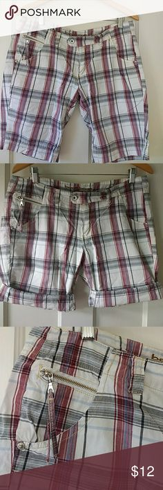 """100% cotton Bermuda shorts Fun summer shorts with fun details like button and tab closure, zippered coin pocket, 2"""" bottom hem, pockets front and back!  White, brick red, blue and grey plaid.17.5"""" waistband, 8"""" rise, 10"""" inseam. Would look nice  cuffed, too. I wear these into fall with an oversized burgundy sweater. boom boom jeans Shorts Bermudas"""