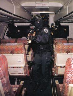 Vintage Groupe d'intervention de la Gendarmerie nationale (GIGN)