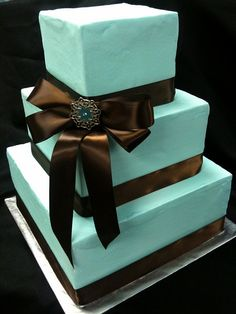 teal-brown-wedding-cake by dpasteles, via Flickr